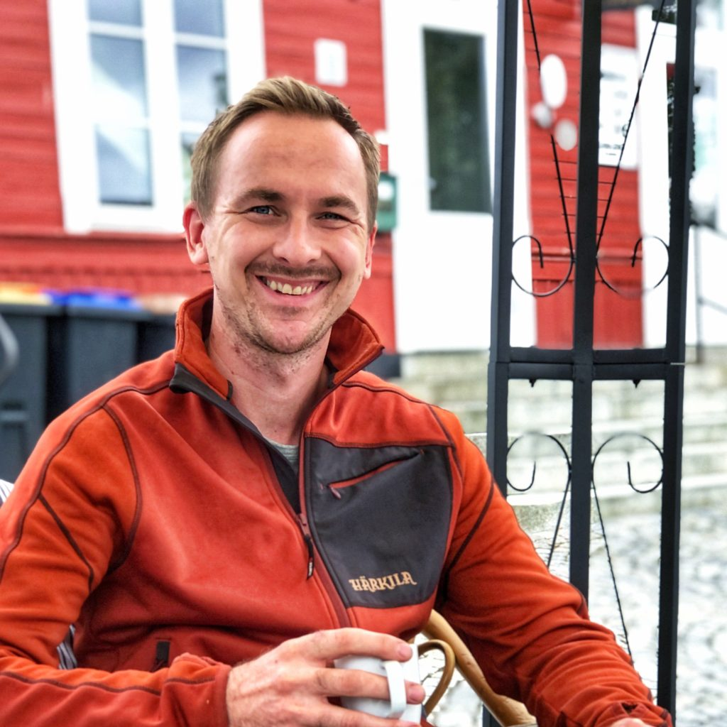 PRØVER IGJEN: I fjor måtte Pultost- og akevittdagene avlyses på grunn av korona. Johan Kirkelund var leder også i fjor, men først i år går det mot gjennomføring av dager for den nye lederen. Foto: Marit Amundsen.