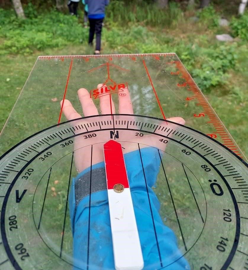 OGSÅ FOR VOKSNE: Mandag 6. september inviteres også voksne til å bli med på trening i Løten O-lag, for å lære mer om kart og kompass. Også de som ikke er tilknyttet klubben fra før er velkommen.