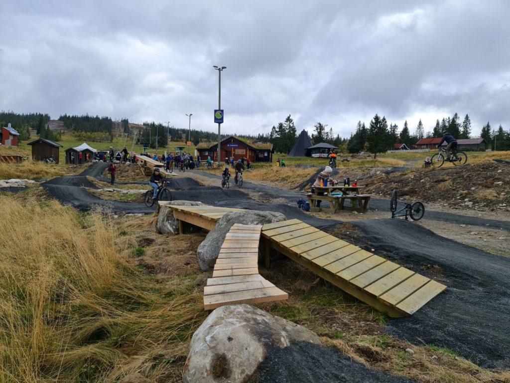 FOR ALLE: Budor Sykkelpark er for både små og store.